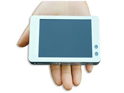 OQO - первый полноценный PC с размерами наладонника