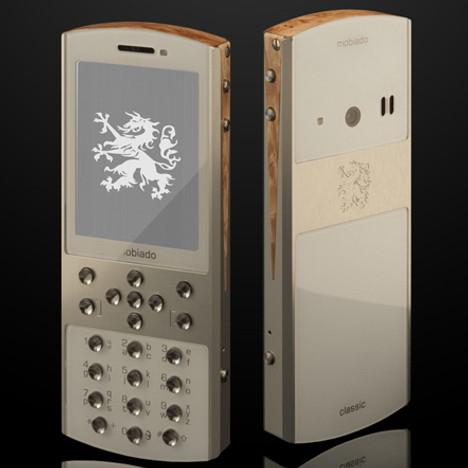 Mobiado Classic 712 – телефон класса «люкс» с драгоценными камнями