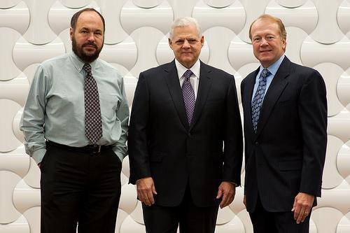 Пол Мариц (VMWare), Джозеф Туччи (EMC) и Джон Чемберс (Cisco)