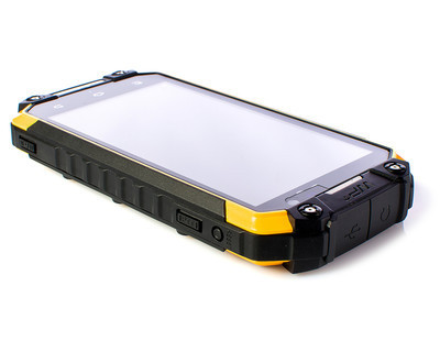Sigma mobile X-treme PQ33 –  8-ядерный защищенный смартфон с Walkie-Talkie