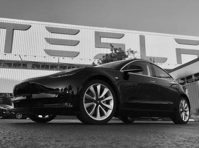 1-ый электрокар Volkswagen будет на8 000 долларов дешевле Tesla Model 3