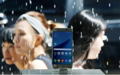 Проблемы Самсунг Note 7 были вызваны спешкой перед анонсом iPhone 7